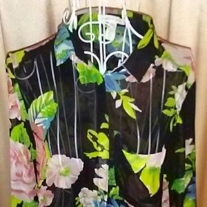 🔶3 for $13 AMBIANCE APPAREL Sheer Floral Top